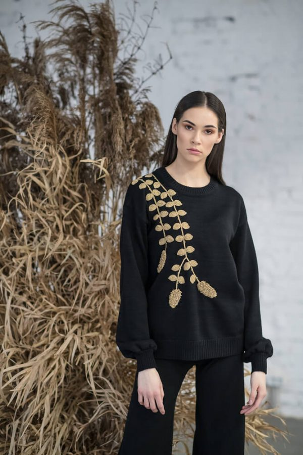 Sweater with gold decoration